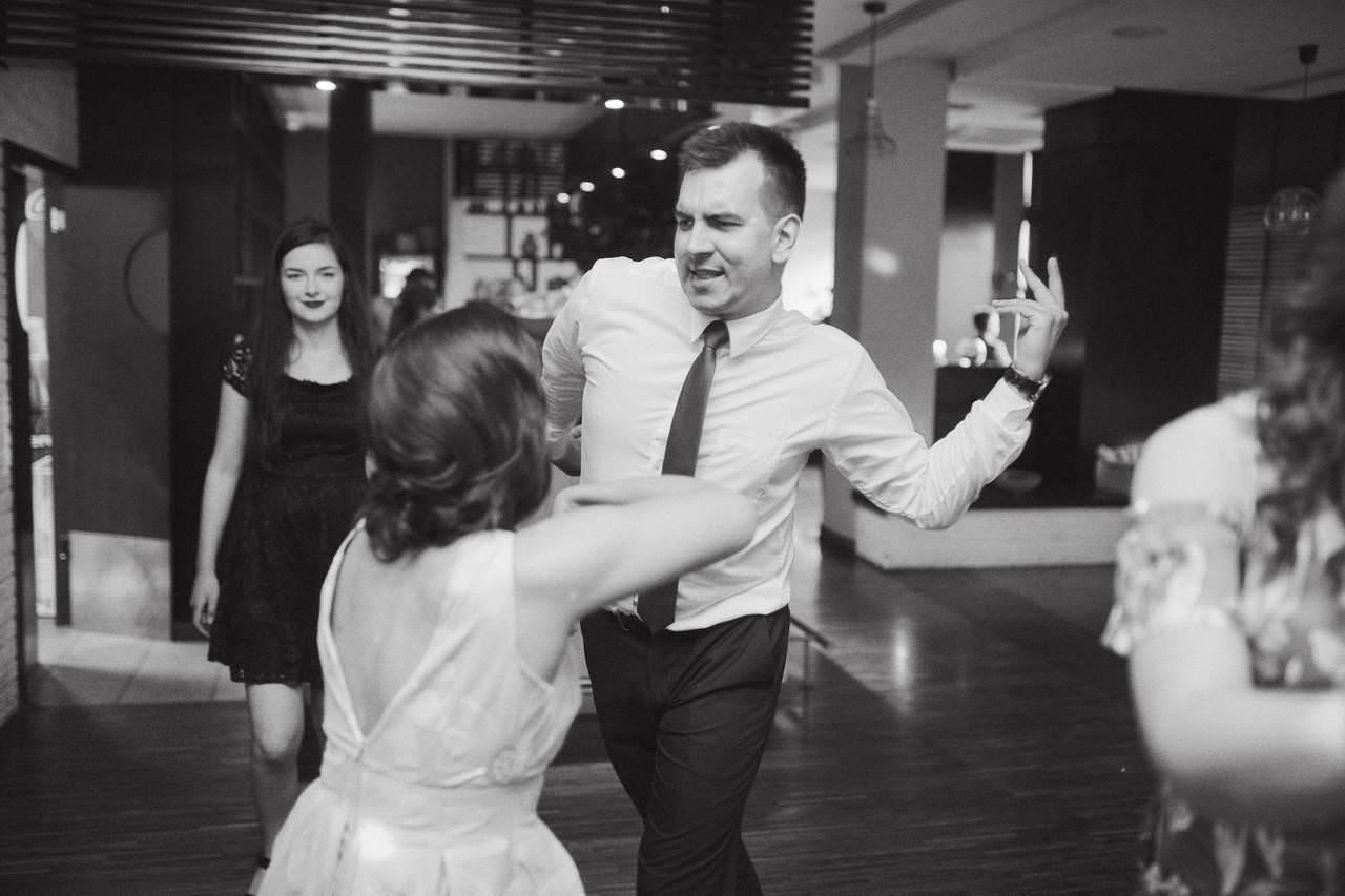 Sylwia i Damian - ślub w Wilanowie - restauracja Vilanova 22