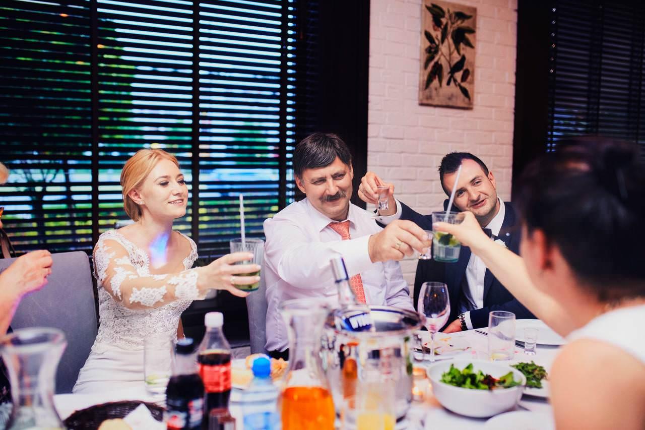 Sylwia i Damian - ślub w Wilanowie - restauracja Vilanova 115