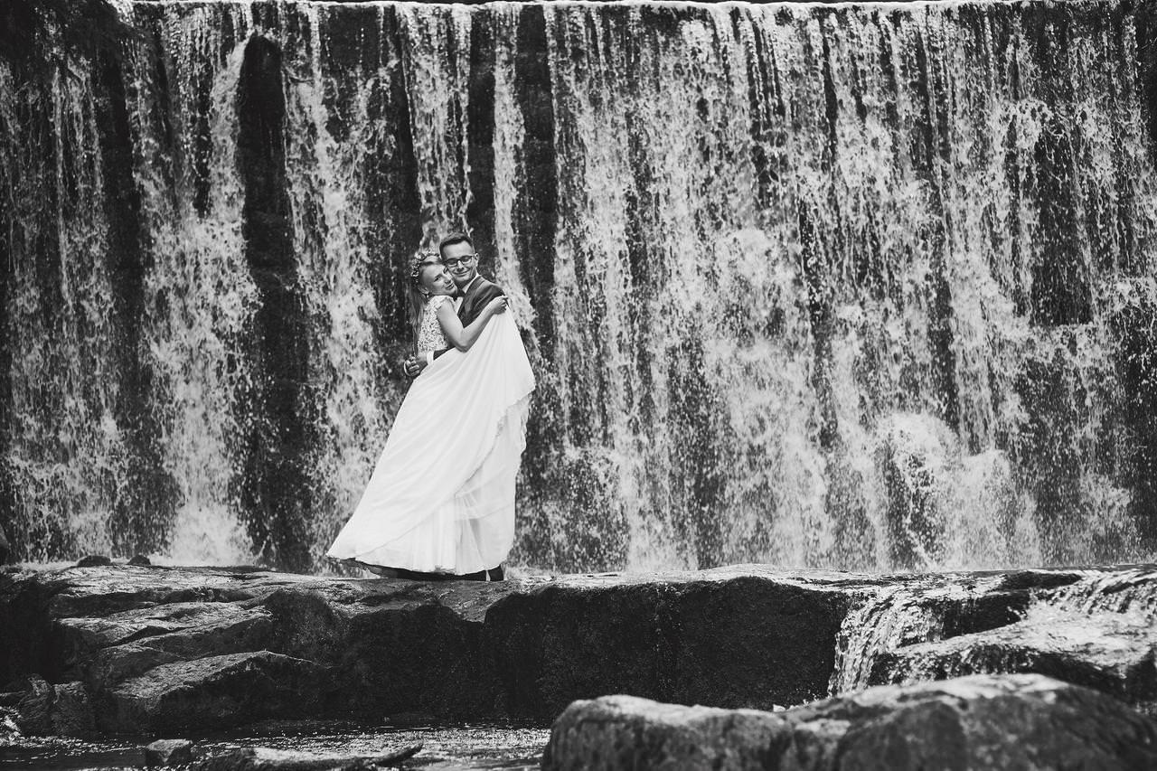 Sesja ślubna przy Dzikim Wodospadzie 21