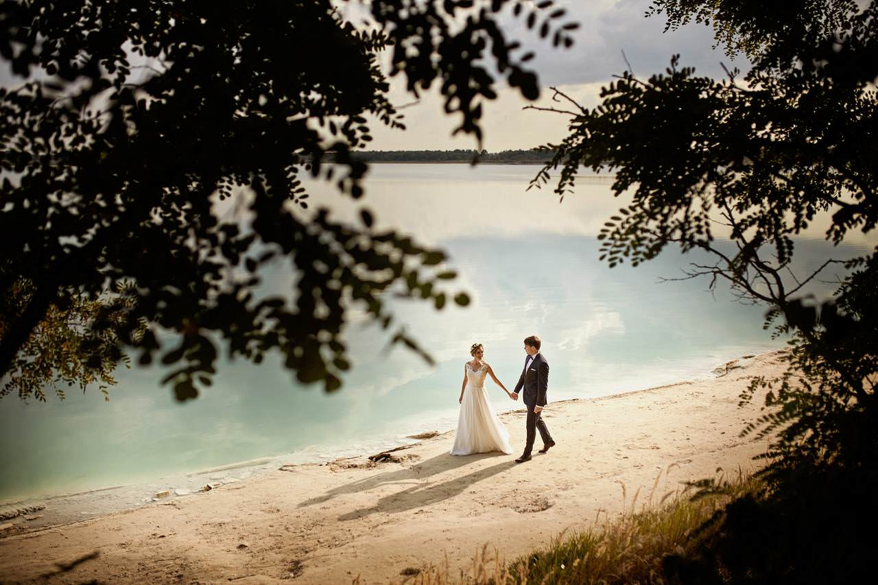 Plener ślubny nad lazurowym jeziorem 2